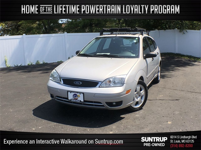 Pre-Owned 2005 Ford Focus ZX5