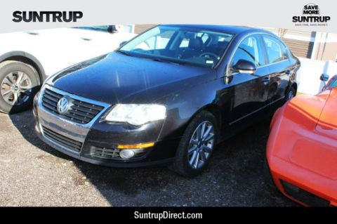 Pre-Owned 2010 Volkswagen Passat Sedan Komfort